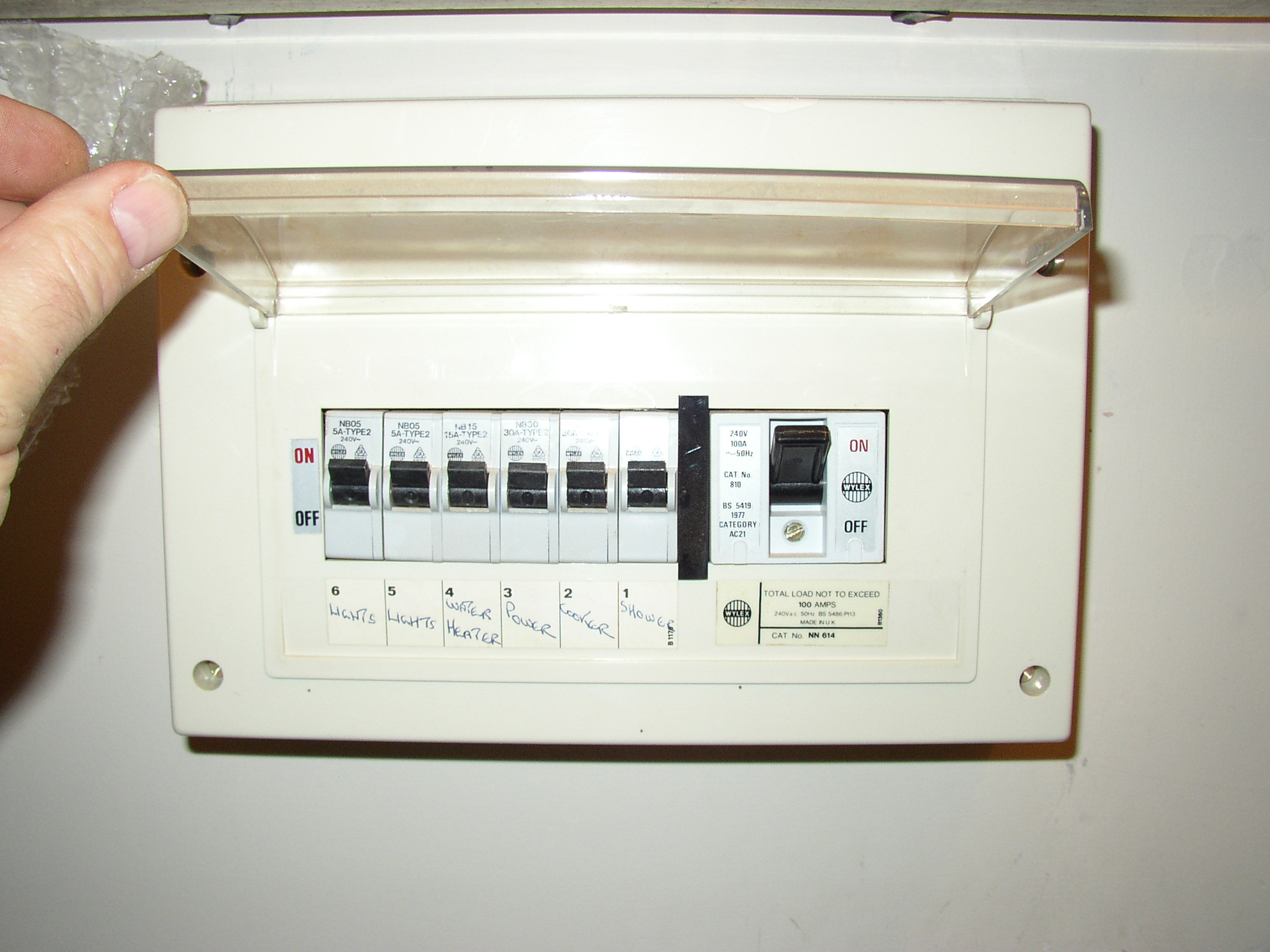 The Wylex consumer unit concerned (.jpg - 574kB).